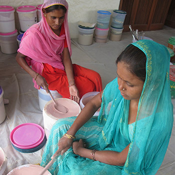 Mixing Pink colour for Araash Puja room – New Delhi, Northern India