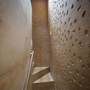 Installation 'Inbetween Architecture' – Cast Courts, Victoria and Albert museum