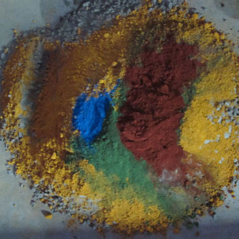 Mixing local pigments