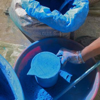 Straining pigment