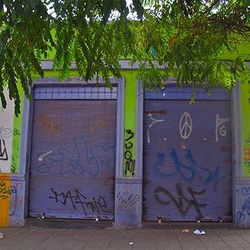Corrugated Lilac doors – Santiago, Chile
