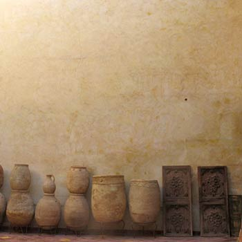 Clay Pots, Plaster wall – Marrakesh, Morroco