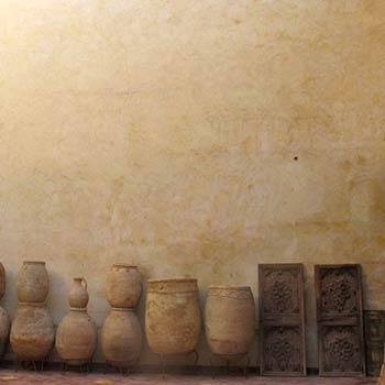 Clay Pots, Plaster wall – Marrakesh, Morroco