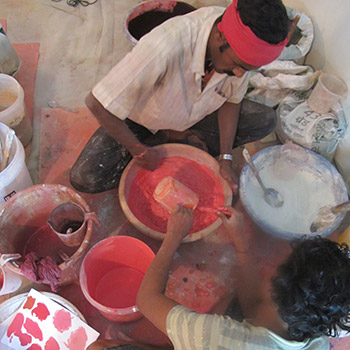Grinding Pigment, Lime and concrete on site – New Delhi