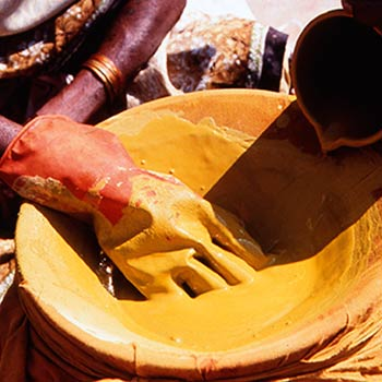 Straining Yellow pigment for Araash – Mumbai, India