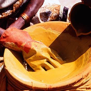 Straining Yellow pigment for Araash – Mumbai, India