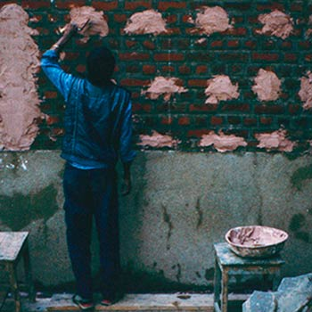 'Putti's' to assist levelling the lime Mortar layer – Studio, Gujerat, Western India