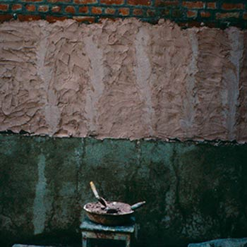 Lime and brick dust mortar before Araash fresco layers – Studio, Gujerat, Western India