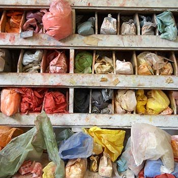 Storing raw pigment – London Studio