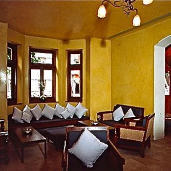 Mustard Yellow Araash Dining Room – Indigo Restaurant, Mumbai