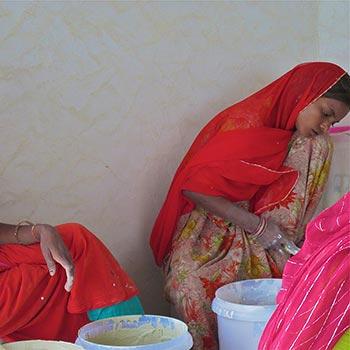 Grinding Women – Gurgaon, New delhi, India