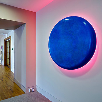 Cobalt Blue Pill Quindo Pink spill – Installation, London